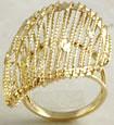 7 Grams 14K Yellow Gold Women Fashion Ring size 7.5